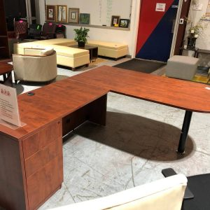 Cherry P-Top L-Shape Office Desk (Used)