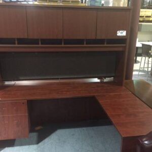 L-Shaped Desk – Cherry (used)